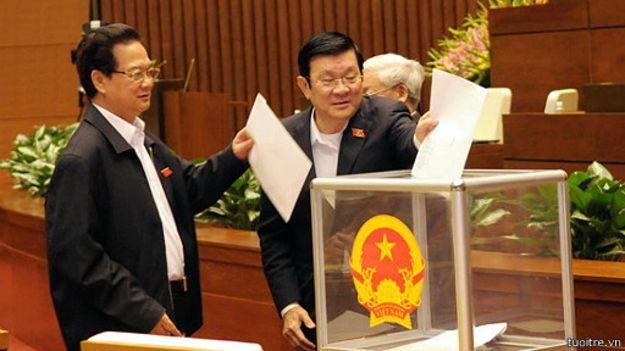 Quốc hội Việt Nam lấy phiếu tín nhiệm