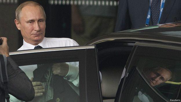 """Владимир Путин покидает саммит """"Большой двадцатки"""" в Брисбене"""