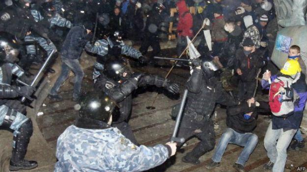 Зачистка на Майдані 30 листопада 2013