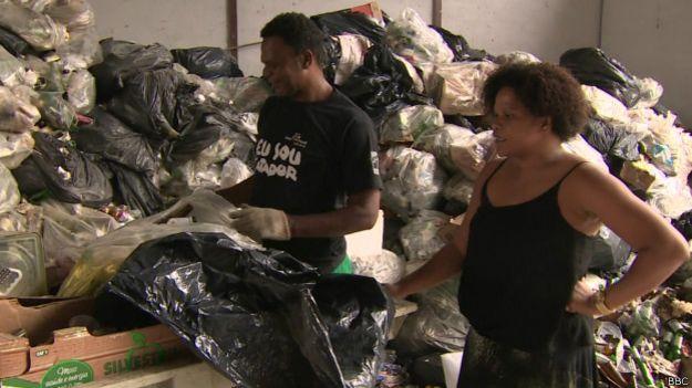 Gloria no polo de reciclagem