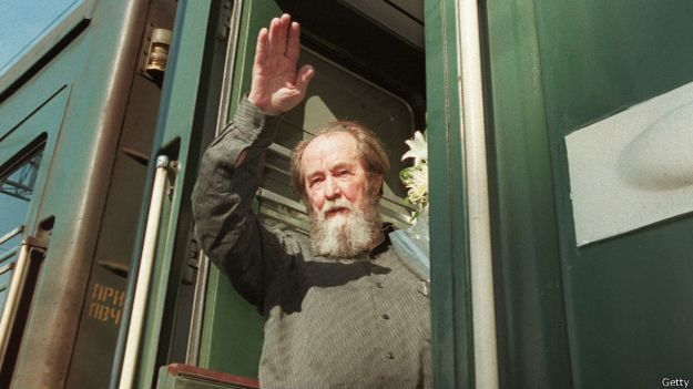 http://ichef.bbci.co.uk/news/ws/625/amz/worldservice/live/assets/images/2014/12/08/141208010211_solzhenitsyn_624x351_getty.jpg