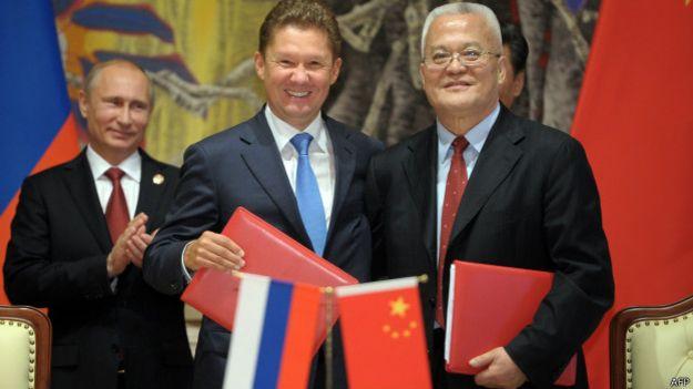 Delegados de Rusia y China