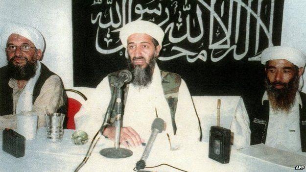 Ayman al-Zawahiri, Osama Bin Laden e Muhammad Atef | Foto: AP
