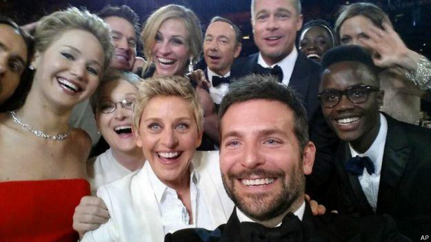 Selfie de Ellen Degeneres y varias estrellas de Hollywood