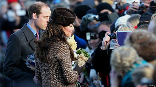 Кейт, герцогиня Кембриджская с мужем