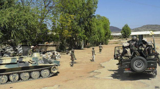 Нигерийский военный патруль