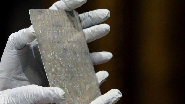 Capsúla do Tempo de 220 Anos é aberta e o que tem Dentro é Surpreendente !