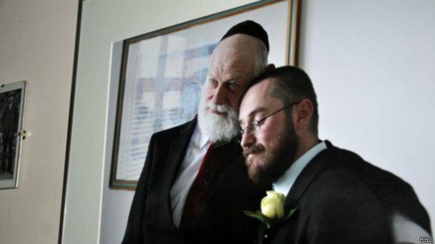 David y Glyn en el día de su boda