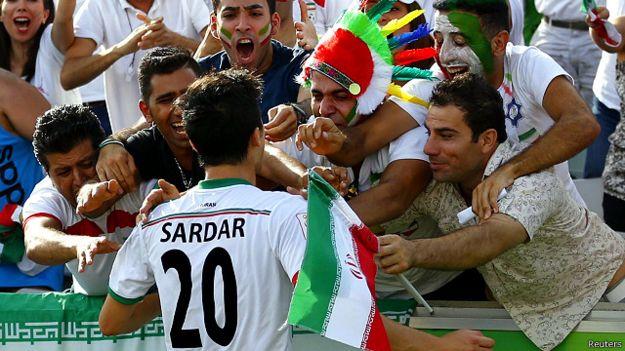 فرحة الجمهور الإيراني
