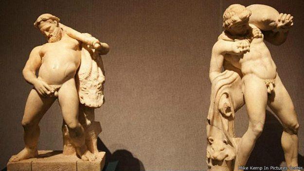 Геракл в неприглядной сцене мочеиспускания после попойки