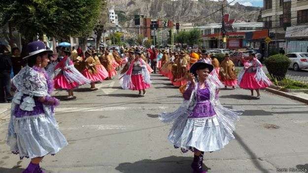 El domingo, los aymaras celebraron su fiesta con danzas folclóricas en la zona sur de La Paz.