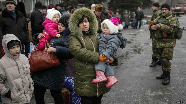 Жители Дебальцева в ожидании эвакуации
