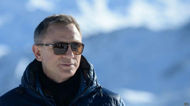 Daniel Craig em filmagem de 'Spectre'