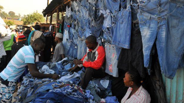 Продажа секон-хенда в Кении