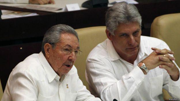 Raúl Castro y Miguel Díaz Canel
