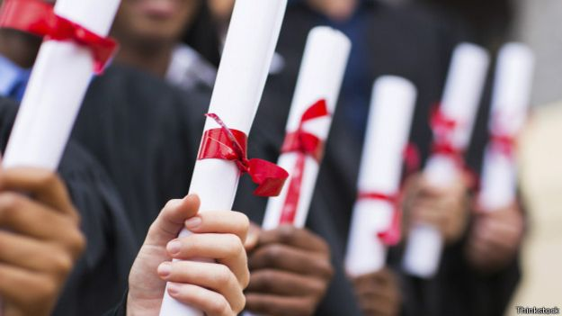 Diplomas universitários