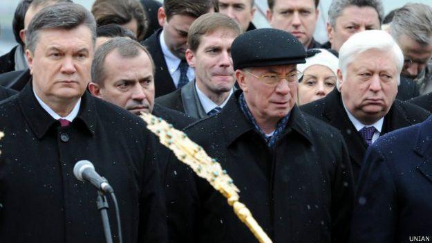 Виктор Янукович, как и Николай Азаров, переехал в Россию