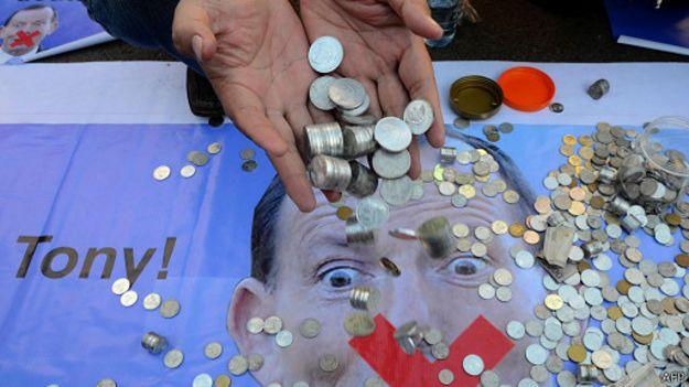 http://ichef.bbci.co.uk/news/ws/625/amz/worldservice/live/assets/images/2015/02/22/150222124239_koin_untuk_australia_512x288_afp.jpg