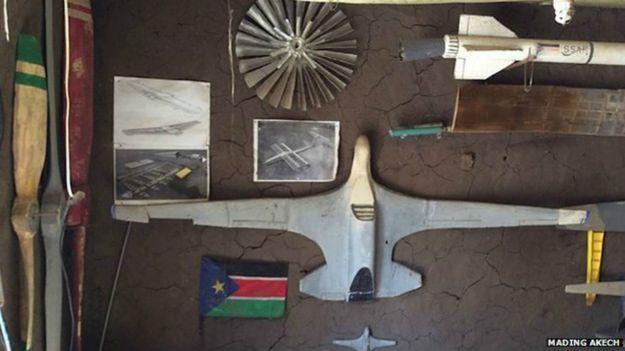 [Internacional] Piloto frustrado, sudanês monta avião no quintal de casa 150224093657_george_mel_3_624x351_madingakech_nocredit