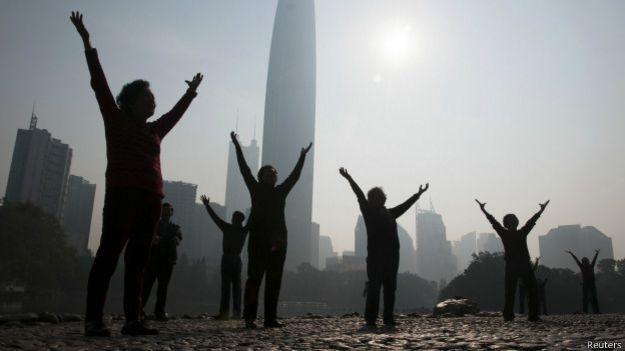 Cidade chinesa com neblina