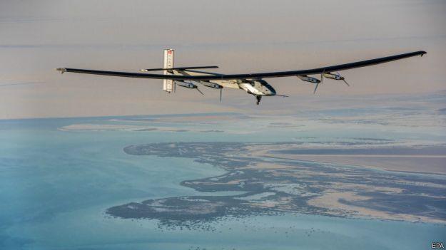全太陽能飛機在阿布扎比開始環球飛行