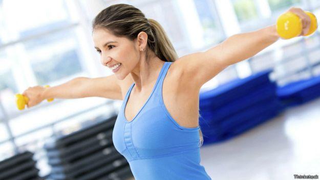 Podtyagivanie los pechos sin implantov