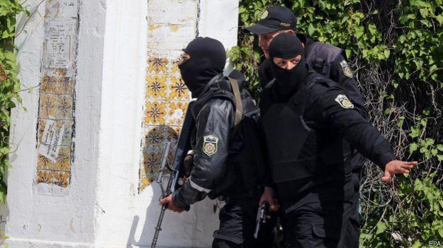 fuerzas de seguridad frente al museo Bardo de Túnez