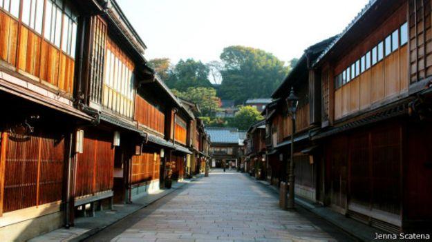 جولة داخل بلدة الساموراي القديمة في اليابان 150330155056_japans_