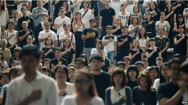 新加坡民众对建国总理李光耀相当尊敬,李光耀上周去世引发了史无前例的民众悼念活动。