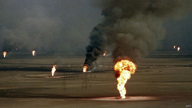 Pozos en Kuwait ardiendo.