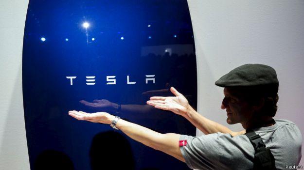 """Las baterías con las que Tesla espera """"cambiar el consumo de energía en el mundo"""""""