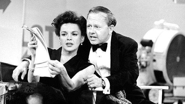Judy Garland y Mickey Rooney en 1963, AP