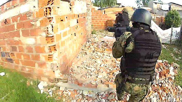 Operativo policial federal contra el narcotráfico en la ciudad de Rosario, Argentina