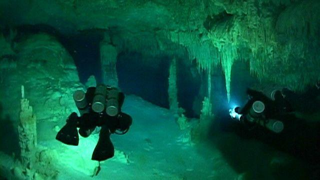 Cueva de Hoyo Negro, en México