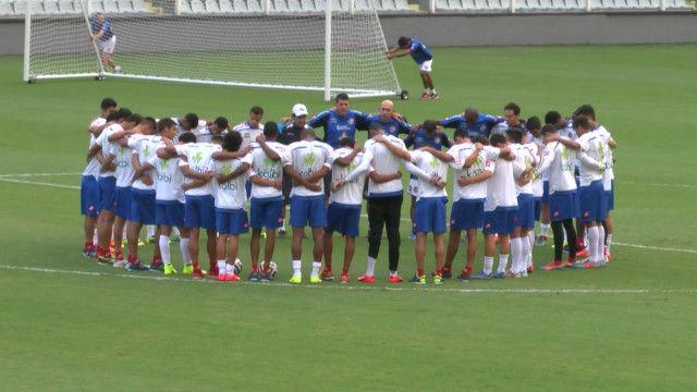 Seleção da Costa Rica treina em Santos (SP)   Foto: BBC