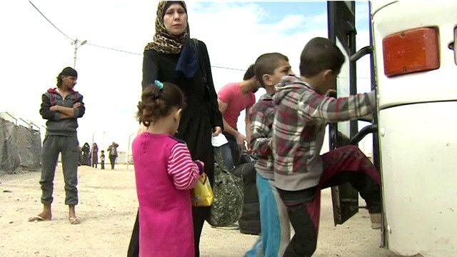 Сирийские беженцы возвращаются из Иордании домой