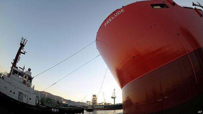 Plataforma flotante de gas Prelude, de Shell, en construcción en Corea del Sur