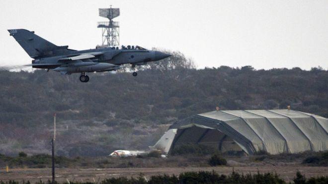 Британский парламент проголосовал за начало операции против ИГИЛ в Сирии