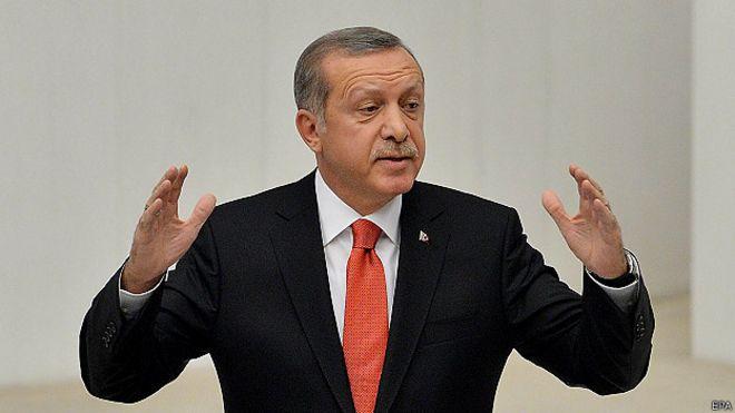 'Mulheres e homens não devem ser tratados como iguais', diz premiê turco