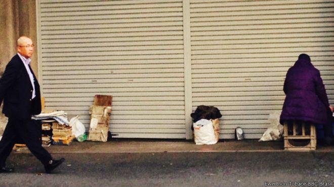 Kato Shirai (dir), sem-teto em Tóquio (BBC Brasil)