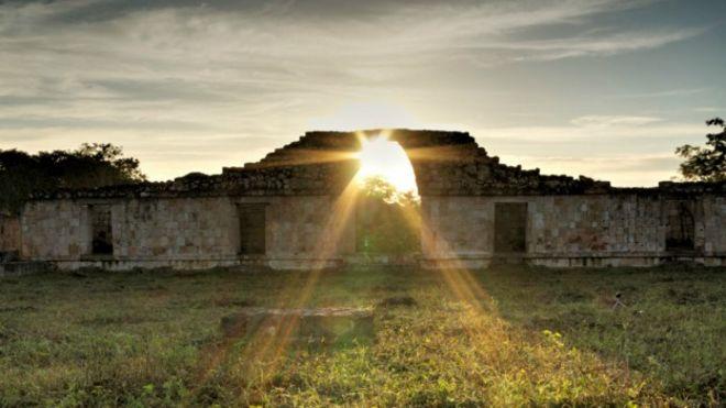 Equinoccio en Oxkintoc, Yucatán, México. Foto: Javier Barrera/INAH