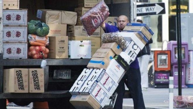 الولايات المتحدة تضيف 321 ألف فرصة عمل في نوفمبر