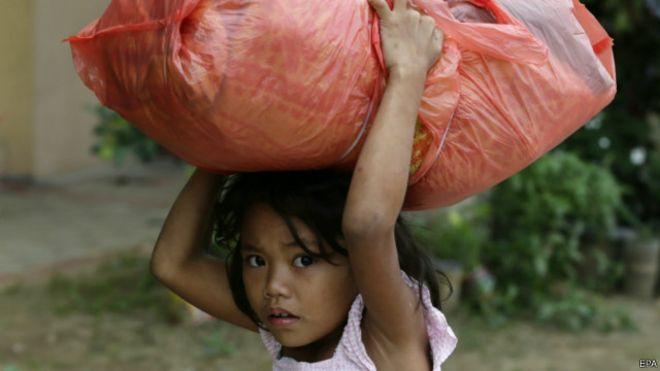 الفلبين: الملايين يتركون منازلهم خوفا من إعصار هاغوبيت