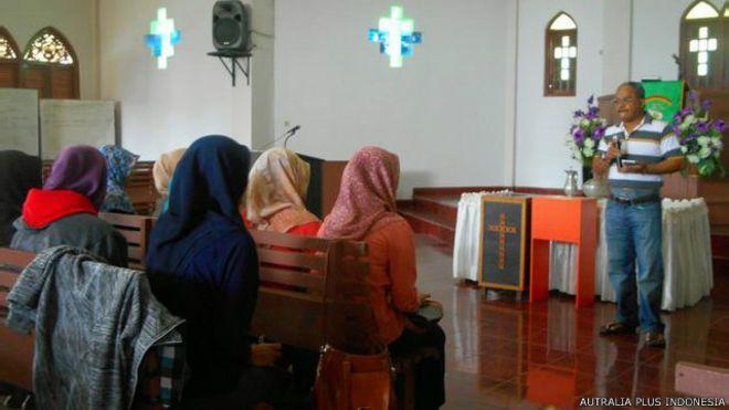 Dosen IAIN Mengajak Mahasiswa Kuliah di Greja