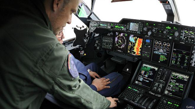 В кабине самолета французских ВВС