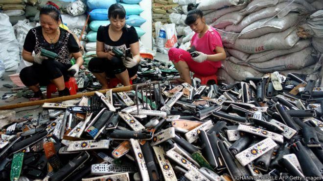 Procesado de basura electrónica en China