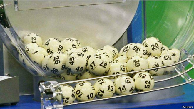 El hombre que perdió US$21 millones en la lotería por 7 segundos
