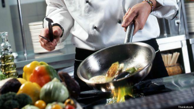 Por qu cocinamos los alimentos y no los comemos crudos for Comidas faciles de cocinar