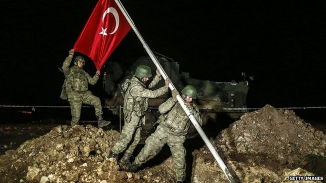 قوات تركية تجلي حراس ضريح سليمان شاه في سوريا وتنقل رفاته