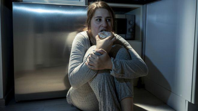 La mujer que engordaba porque comía mientras dormía